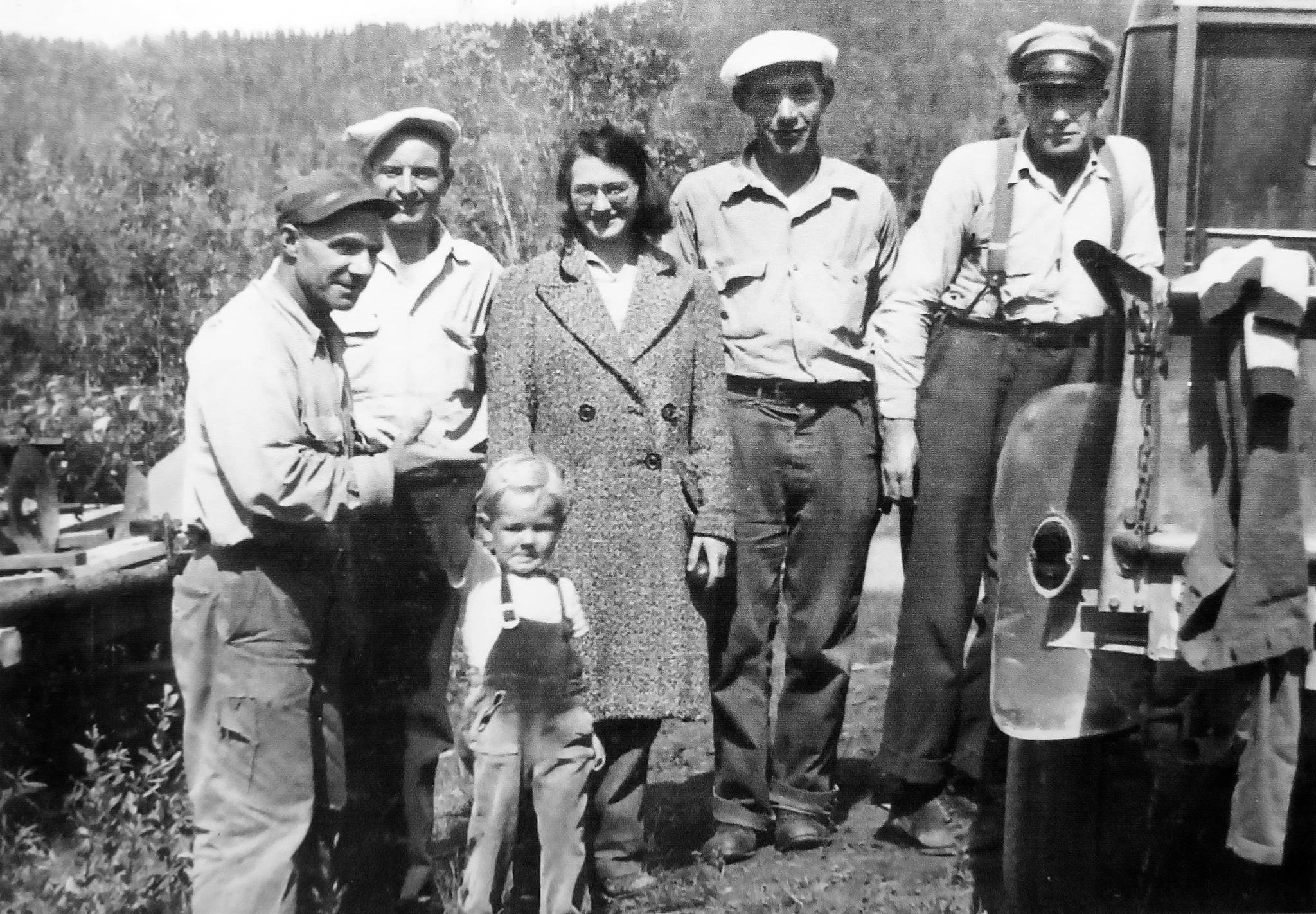 The Jims and friends. Little Jim (left) and Big Jim flank the others. In the center is Beverly Sabrowski, who, along with her husband, lived with the Jims in the 1930s. (Photo courtesy of Mona Painter)