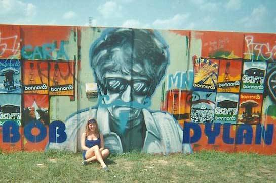 The author is seen here sometime in the past decade trying to look cool in front of a Bob Dylan mural in Tennessee. (Photo provided by Kat Sorensen)