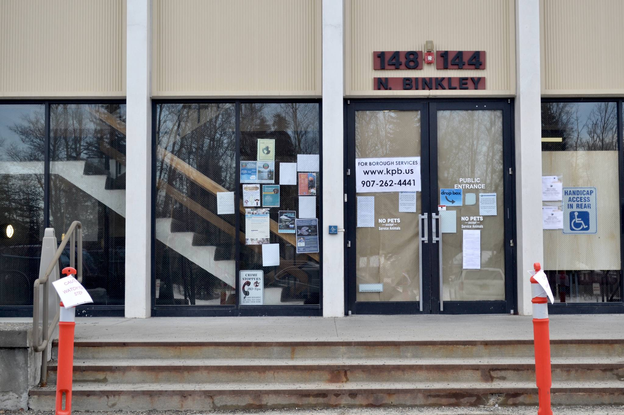 The Kenai Peninsula Borough School District and borough administration building is closed on March 26, 2020, in Soldotna, Alaska. (Victoria Petersen/Peninsula Clarion)