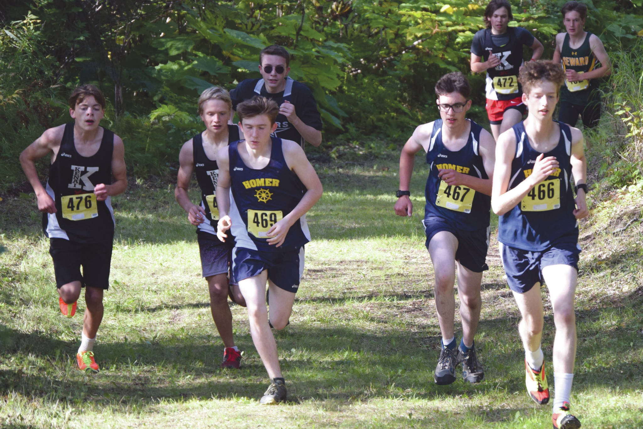 Central peninsula runners start season